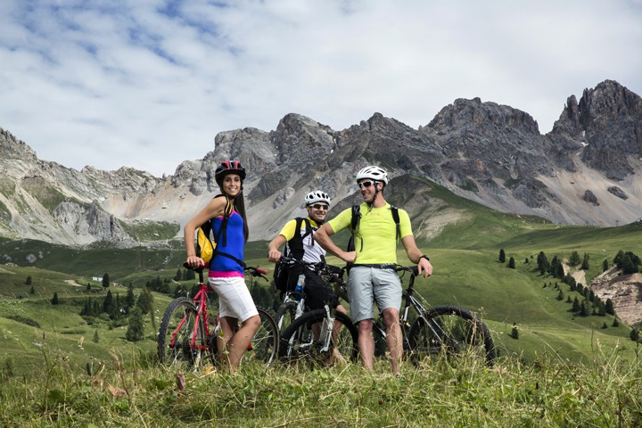 Mountain biking vacation - Holiday package Val di Fassa - Great ...