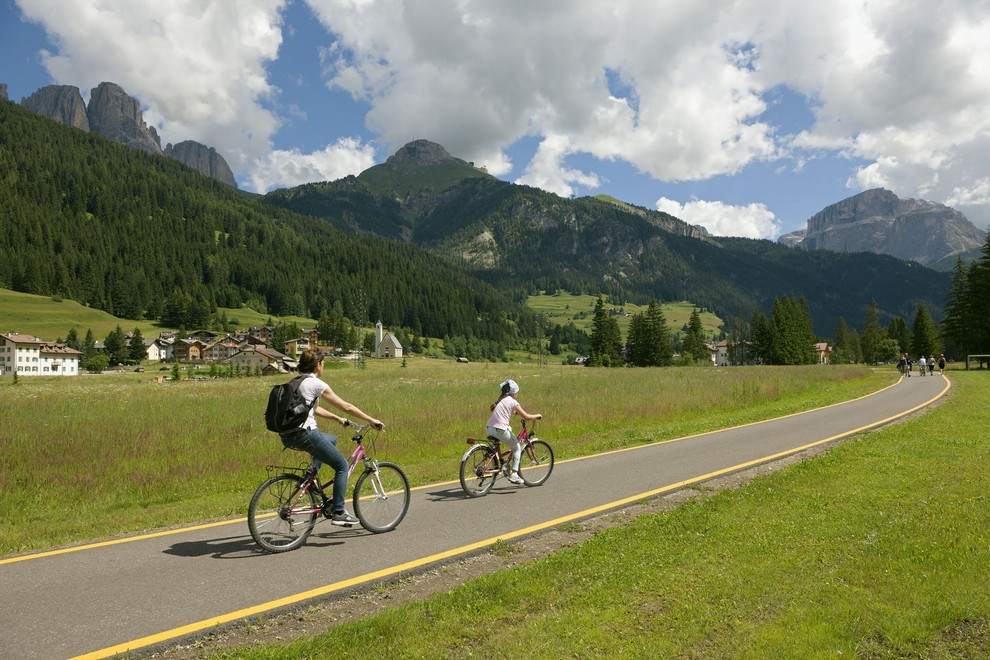 Bike Express FassaFiemme bus service for bikers Dolomites cycling