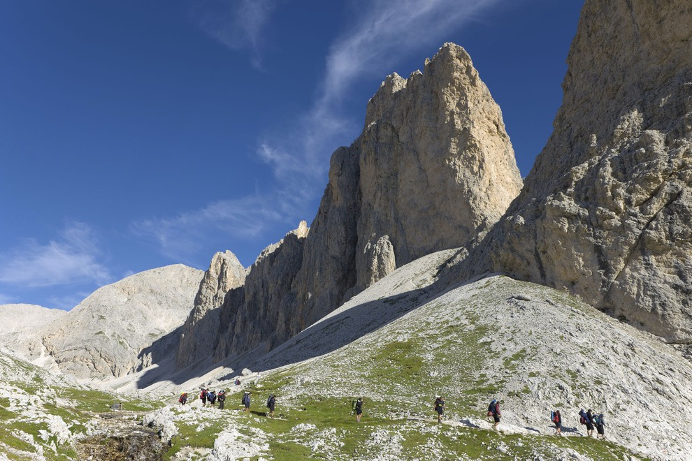 Dolomiti Panorama Trek in Val di Fassa Stages hotels huts guided