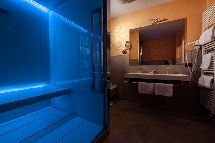 Suite con cabina ''Sweet SPA'' in camera