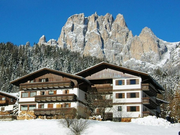 Panoramic position at the start of the most famous hiking and skiing itineraries of the Dolomites