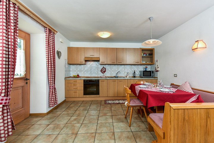 Spacious kitchen -full equipment- + microwave, digital SAT TV. Iron. Balcony