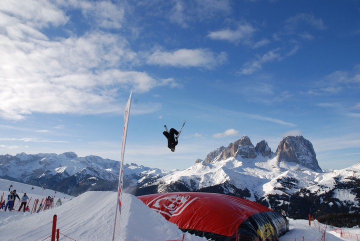 Dolomiti Snowpark und BigAirBag fuer ultimatives Freestyle-Vergnuegen