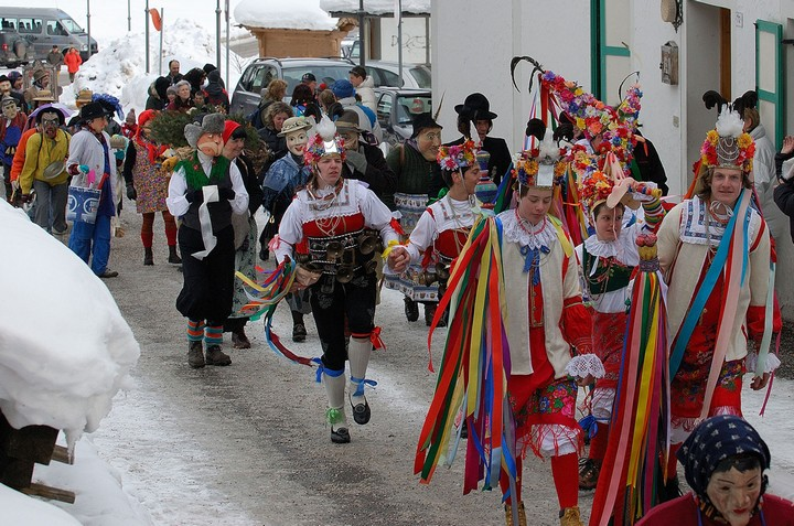 Ladin Carnival - Parties and parades in the resorts of Val di Fassa