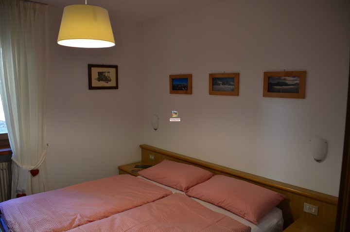 Holidays in the Dolomites of Val di Fassa. Apartment no. 1, 60 m2 for 4 people. Double room