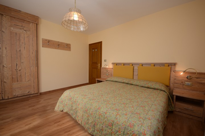 Double room, vacation flat in Moena in Val di Fassa in the Trentino Dolomites