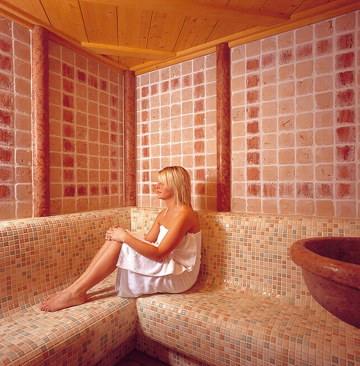 Roman sauna - turkish bath - relaxation area - whirlpool baths - UVA lamp