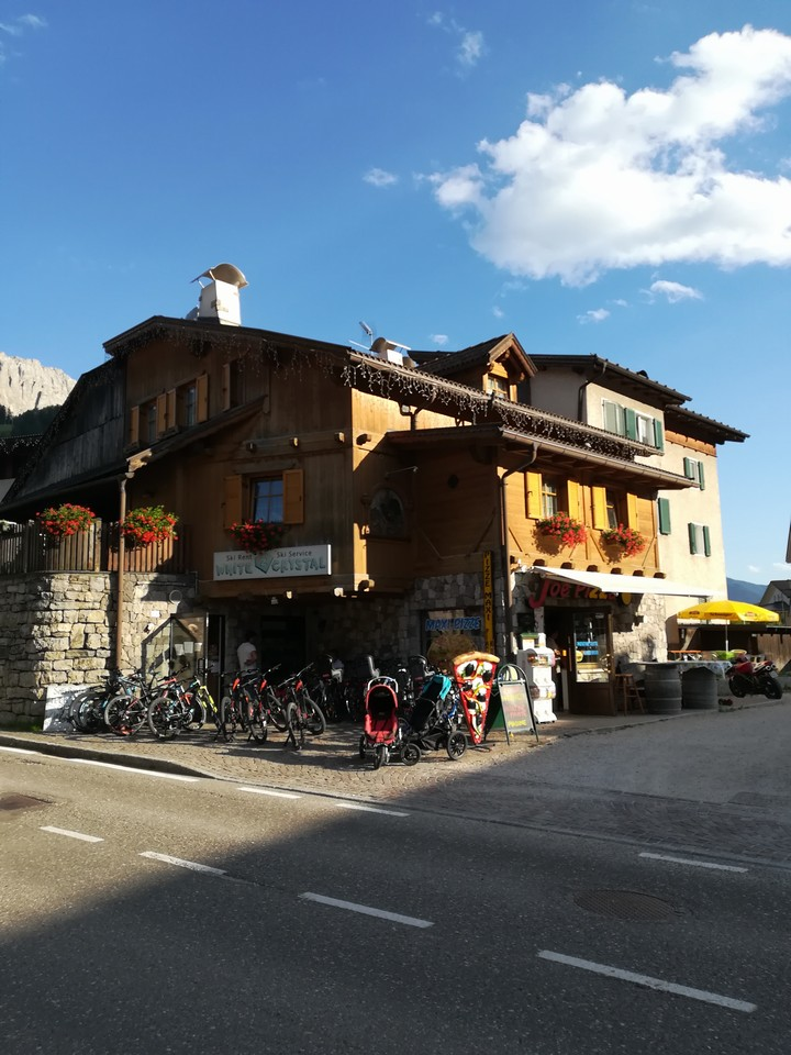 In the Centre of Pozza di Fassa, Meida Street. 500mt from the Skislope Buffaure Sellaronda and from the new Qc terme