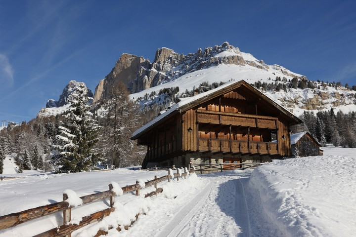 The ski area Carezza - Costalunga Pass is reachable from Vigo di Fassa along the road that leads to Bolzano