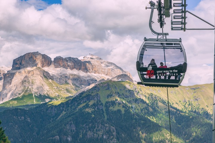 Fassa: the valley with the biggest number of open mountain lifts in all the Dolomites
