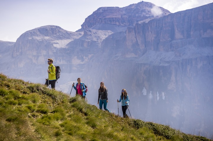 "Explore the valley with ""Panoramapass and Val di Fassa Card"""