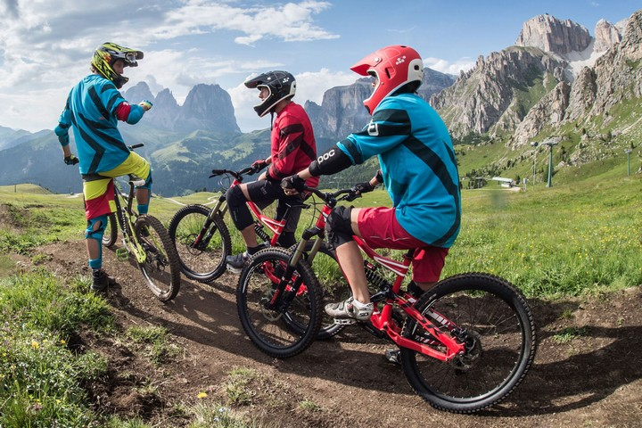 Sellaronda Bike Tour