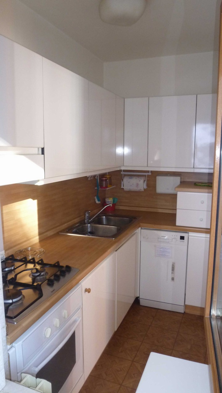 In the flats there is the living-room with kitchenette